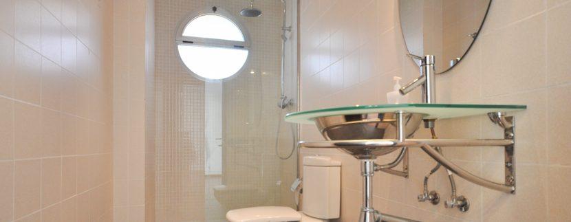 MON214CZN-Guest toilet upper level