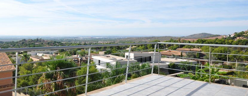 MON214CZN-Views from higher terrace