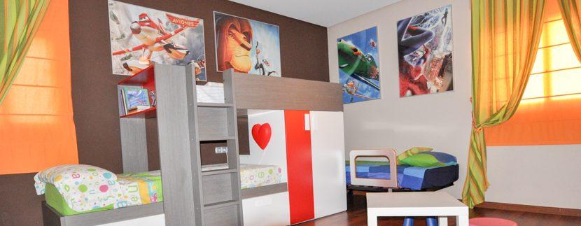 MON214CZN-Junior bedroom at main level