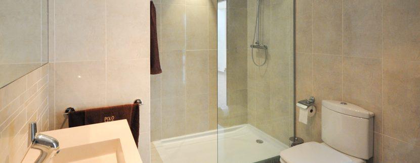 MON214CZN-Second bathroom