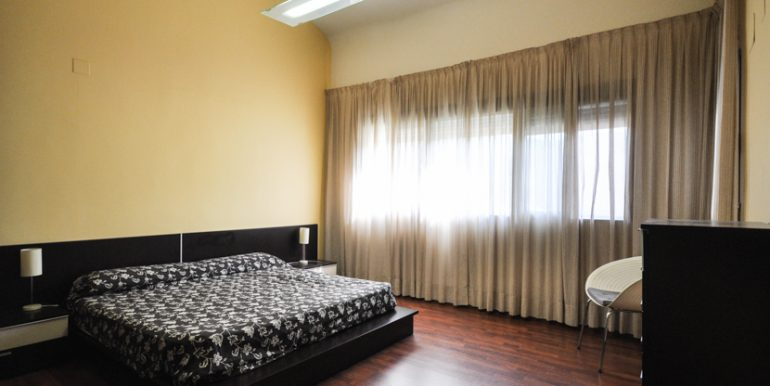 MON214CZN-Master bedroom