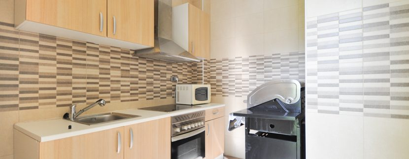 MON214CZN-Second kitchen by swimming pool