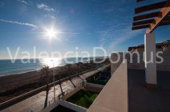 Vistas a la playa desde la terraza superior