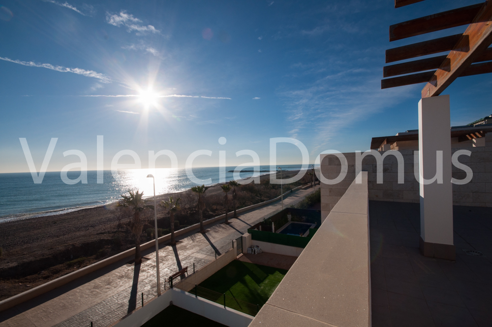 Beachfront, brand new House for sale in El Puig, Valencia