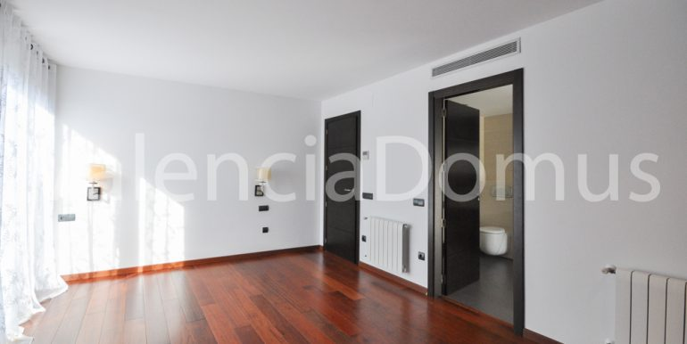 Valencia Domus ES10N1ZB-9